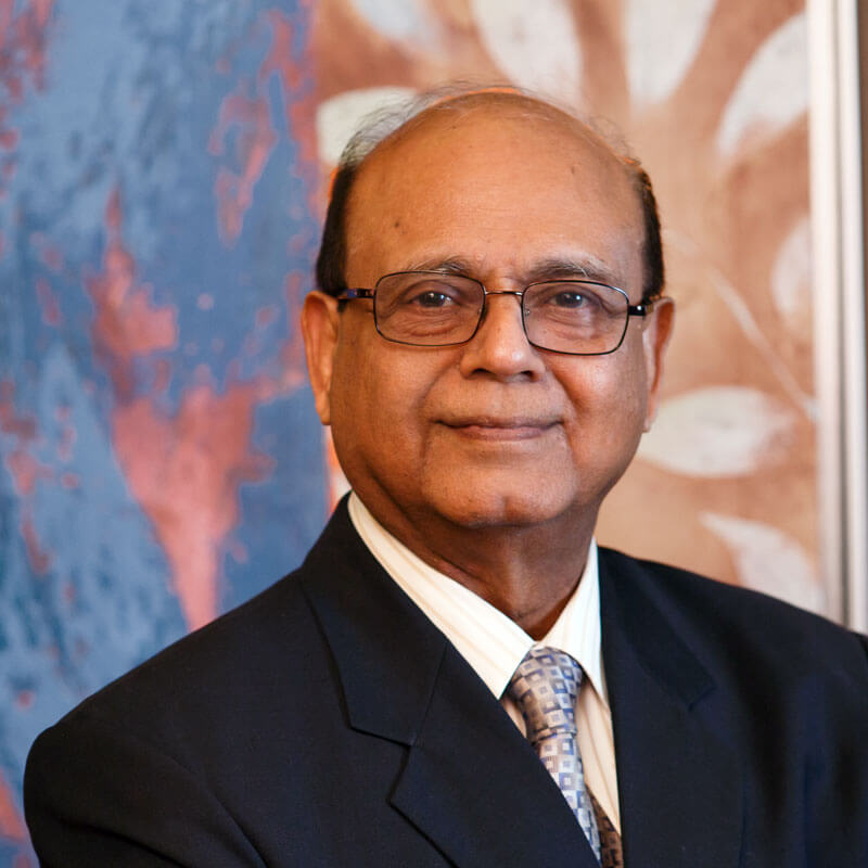 Manzoor Ahmed博士